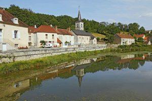 Balade autour de Rochefort-sur-Brevon @ Devant l'église de Rochefort