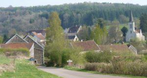 Balade autour de Beaulieu @ Devant l'église de Beaulieu